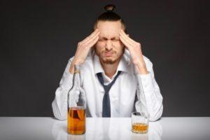Судороги после запоя: причины, лечение и последствия