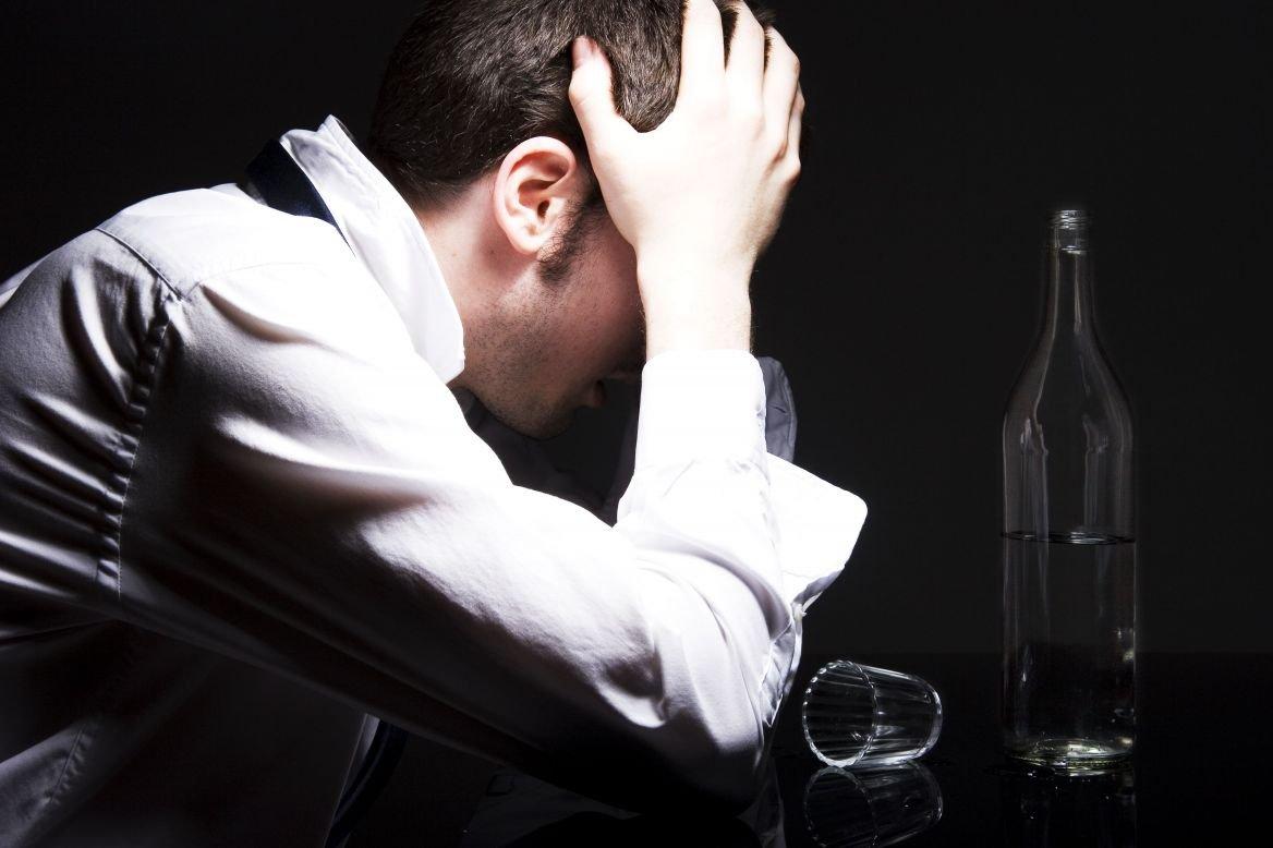 Чувство страха и тревоги с похмелья – игры алкоголя с сознанием