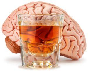 Печень расщепляет алкоголь