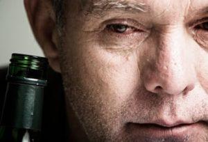 Болит левый бок после алкоголя: причины, лечение и осложнения