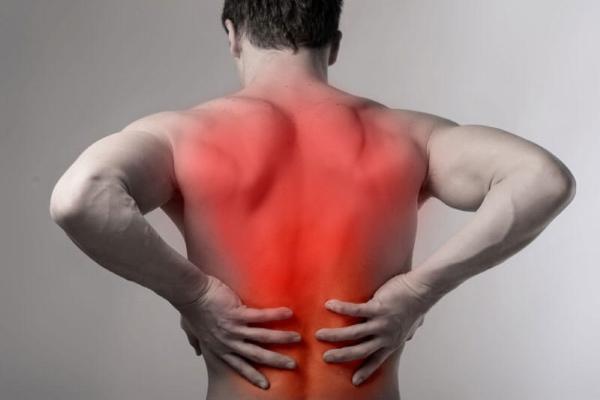 Алкоголь может провоцировать атрофию мышц спины
