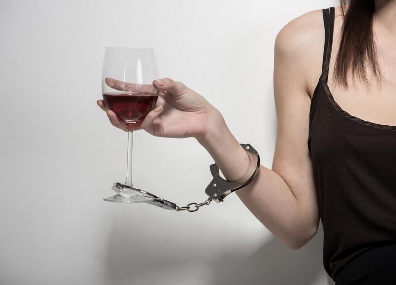 Как вылечить женщину от алкоголя